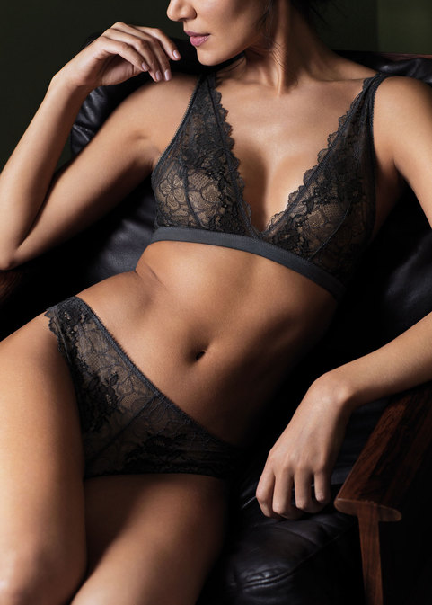 Hero-Lace-Perfection-Charcoal-481x674-rangedetail